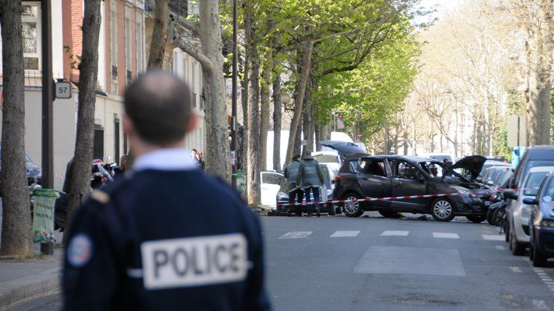 La voiture qui a permis à des malfaiteurs armés de bloquer le fourgon de convoyeurs